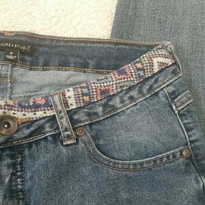 Detailed Distressed Raw Hem Ankle Jeans